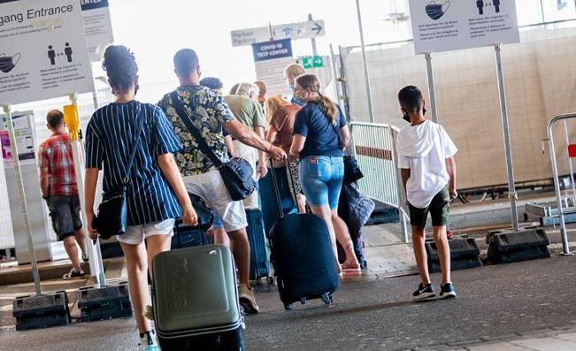 Послабление карантинных мер для возвращающихся путешественников