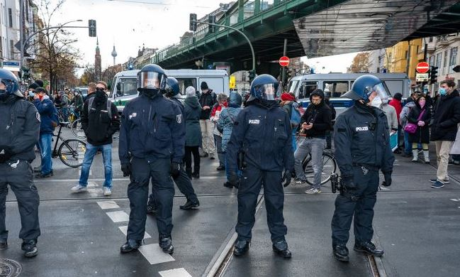 Предновогодние демонстрации в Берлине.