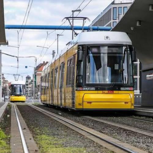 Строительство трамвайной линии в Берлине через Moabit