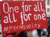 Около 2000 человек в Берлине требуют свободы Навального